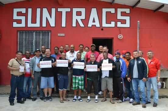 Suntracs styrelse. Luis González syns som fjärde person från vänster, främre raden. Nästan samtlig arbetare i byggbranschen i Panamá är medlemmar i Suntracs, vilket hör till ovanligheterna i Latinamerika.